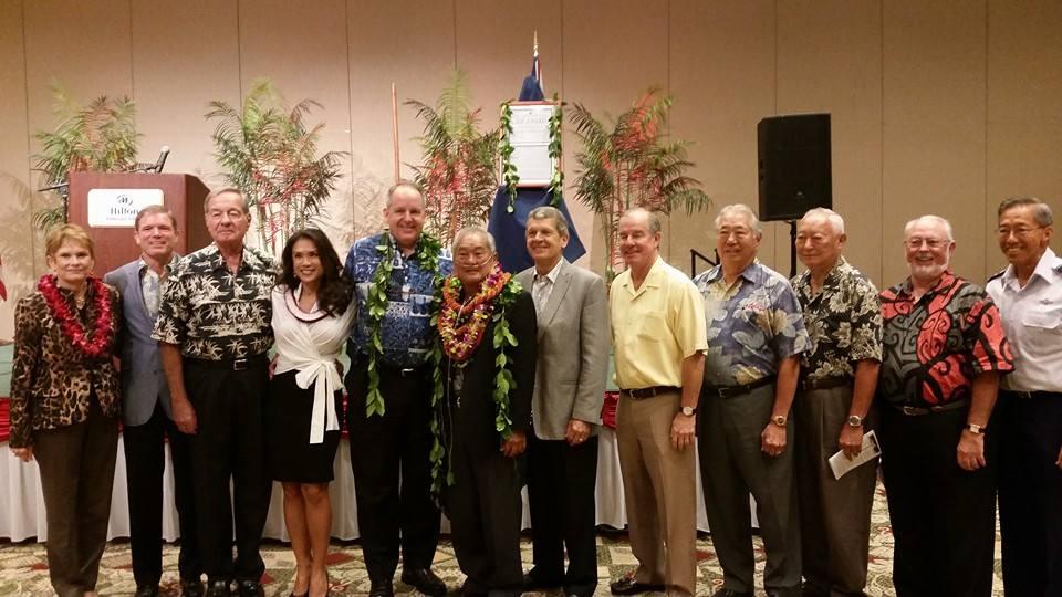 Chamber's MAC Council accept Ihe Award